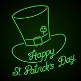 Insegna al neon d'ardore - iscrizione del giorno di St Patrick felice con il cappello e l'acetosella del leprechaun Immagini Stock