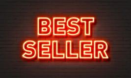 Insegna al neon del bestseller sul fondo del muro di mattoni immagine stock libera da diritti