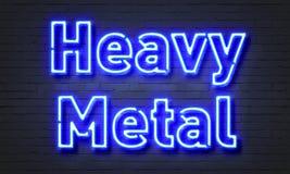 Insegna al neon di metalli pesanti Fotografie Stock Libere da Diritti