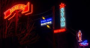 Insegna al neon al vicolo al neon, pueblo, CO fotografia stock libera da diritti