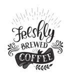 Insegna con le citazioni del caffè Iscrizione disegnata a mano di vettore Immagini Stock Libere da Diritti