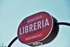 Insegna del negozio di libro di Minerva a Roma immagini stock libere da diritti