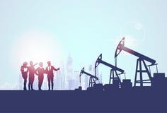 Insegna della benzina della pompa di Businesspeople Group Oil Industry Business Company Immagine Stock