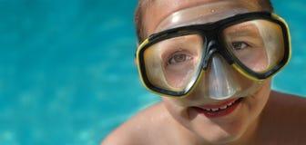 Insegna di estate con il ragazzo in divi Fotografie Stock