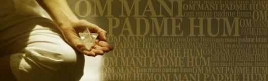Insegna di mantra del OM Mani Padme Hum Buddhism Meditation fotografia stock libera da diritti