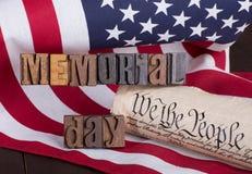 Insegna di Memorial Day e costituzione degli Stati Uniti Fotografia Stock Libera da Diritti