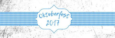 Insegna 2017 di Oktoberfest con il modello e l'etichetta bavaresi della bandiera di festival tradizionale di ottobre Immagini Stock Libere da Diritti