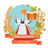 Insegna di Oktoberfest con personaggio dei cartoni animati divertente in una corona di orzo e del luppolo Una ragazza con i vetri illustrazione vettoriale