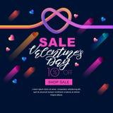 Insegna di vendita di giorno di biglietti di S. Valentino cuore liquido ed iscrizione di pendenza variopinta 3d sul fondo nero royalty illustrazione gratis