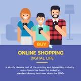 Insegna online di acquisto Famiglia facendo uso dello smartphone alla compera Fotografia Stock