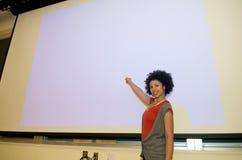 Insegnamento dell'allievo dell'afroamericano Fotografia Stock Libera da Diritti