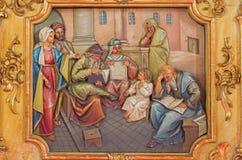 Insegnamento nel tempio - sollievo scolpito di Gesù del ragazzo Immagine Stock Libera da Diritti