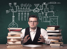 Insegnante alla classe di chimica Fotografie Stock Libere da Diritti