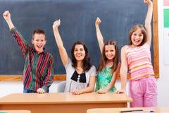 Insegnante ed allievi in aula Immagini Stock Libere da Diritti