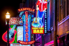 Insegne al neon su Broadway più basso Nashville Immagine Stock