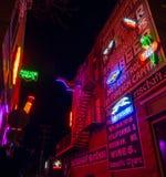 Insegne al neon al vicolo al neon, pueblo, CO fotografie stock