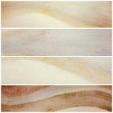 Insegne del sito Web di colore o bande naturali ondulate, progettazione di arte grafica in marrone e beige neutrali fotografie stock