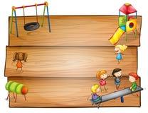 Insegne di legno vuote con il gioco dei bambini Fotografia Stock