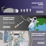 Insegne di vettore di concetto di missione Astronauti nella stazione e nello spazio cosmico Cosmonauti che non pilotano gravità illustrazione di stock