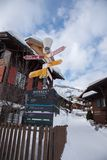 Insegne e case delle vacanze direzionali a Murren, Svizzera, Europa Fotografie Stock Libere da Diritti
