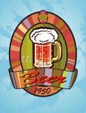 Insegne sull'argomento con birra Fotografie Stock Libere da Diritti