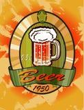 Insegne sull'argomento con birra Immagini Stock