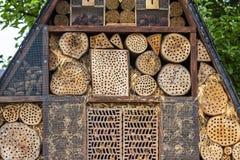 Insektenhotel für Brutpflege Lizenzfreie Stockbilder