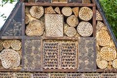 Insektenhotel für Brutpflege Lizenzfreies Stockbild