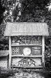 Insektenhotel im Park, farblos Stockbild