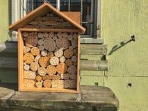 Insektenhotel, Insektenhaus stockfotos
