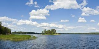 Insel auf Finnischem Meerbusen Stockfotos