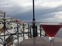 Insel-Getränk-Flitterwochen-Hochzeit Santorini romantische Stockfotos