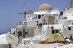 Insel Griechenlands Santorini, Mühlen Lizenzfreies Stockfoto