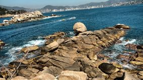 Insel im Hafen von Acapulco, Mexiko Stockfotografie