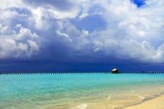 Insel im Ozean, Maldives Lizenzfreie Stockfotografie