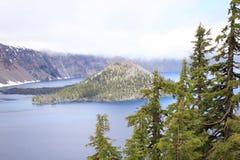 Insel im See Lizenzfreies Stockfoto