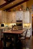 Insel-Küche Stockfotos