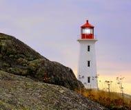 Insel-Leuchtturm im Herbst lizenzfreies stockfoto