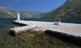 Insel mit Kirche in Boko-Kotorbucht, Montenegro Stockbild