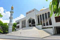 Insel-Mitte, das Moschee Masjid-Al-Sultans-Mohamed-Thakurufaanu-Al-A'a'am im Mann unterbringend Lizenzfreie Stockbilder
