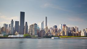 Insel New York Manhattan von anderem Seite Tag-timelapse stock video footage