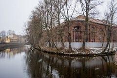 Insel in St Petersburg im Schnee Stockfotografie