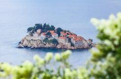 Insel Sveti Stefan, adriatisches Meer, Montenegro Lizenzfreie Stockbilder