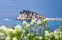 Insel Sveti Stefan, adriatisches Meer, Montenegro Stockbilder