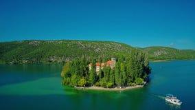 Insel Visovac-Bootsverlassen Stockfoto