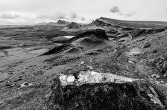 Insel von skye, Quiraing-Berg, szenisches Landschaftsschwarzes Schottlands lizenzfreies stockbild