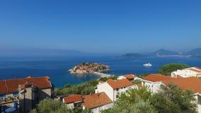Insel von Sveti Stefan, Montenegro stock footage