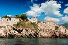 Insel von Sveti Stefan, Montenegro, adriatisches Meer Lizenzfreies Stockbild