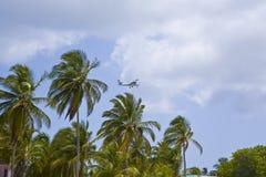 Insel-Zufuhrbehälter-Flugzeug in den Karibischen Meeren Stockfoto