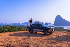 Inseln im Meer bei Samed Nang Nang sie Standpunkt Stockbild